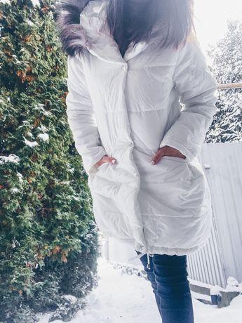 Белая женская куртка