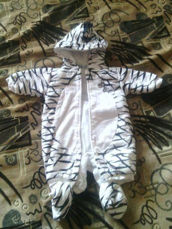 Продам комбинезон зебра весна-осень