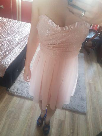 Zamienie sukienke jasny pudrowy roz