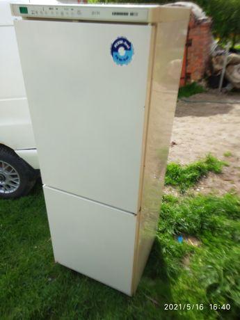 Холодильник двохмоторний