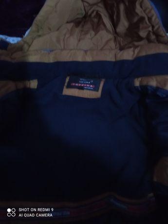 Продам куртки дитячі