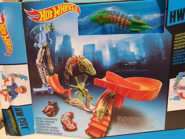 Hot Wheels Podziemne Laboratorium Mutant