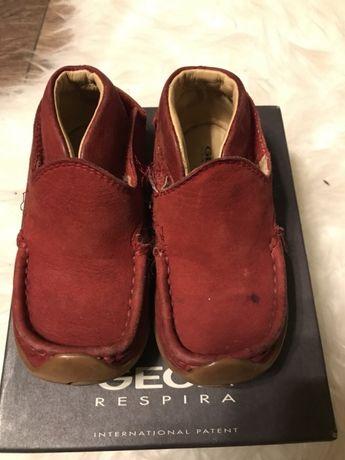 Geox mokasyny trzewiki buty dla chłopca nubuk czerwone r. 22