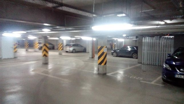 Wynajmę miejsce parkingowe w podziemnej hali garażowej Hevelia Poznań