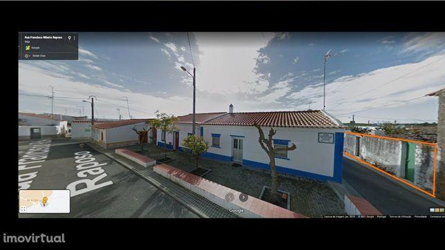 Uma casa típica Alentejana na Aldeia de Santana de Cambas.