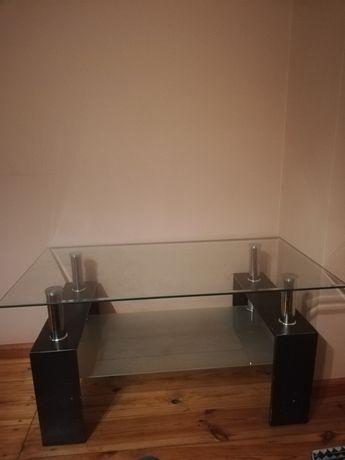 Stół że szklanym blatem