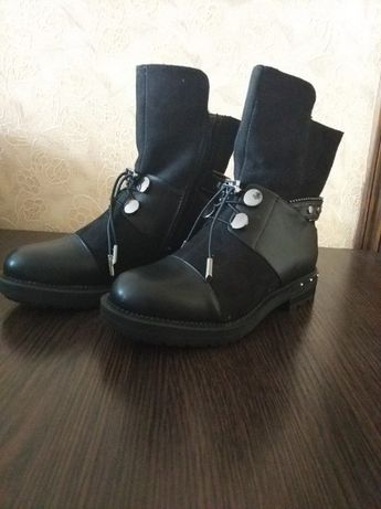 Ботинки для девочки подростка р. 36