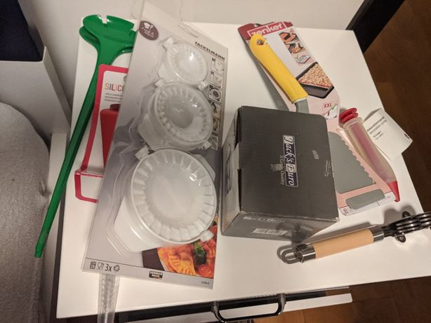 Zestaw cukiernica łyżki IKEA foremki do pierogów słomki wielorazowe