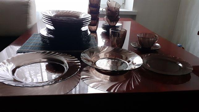 Сервиз тарелки посуда