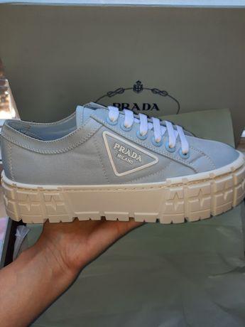 Кроссовки Prada голубые