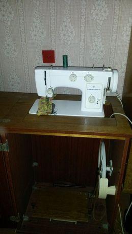 Продам швейную машину Чайка.