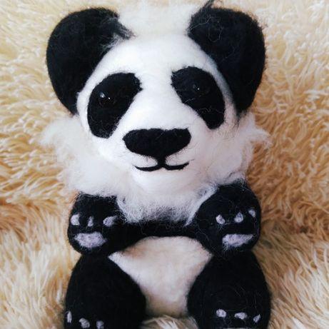 Filcowany miś panda rękodzieło