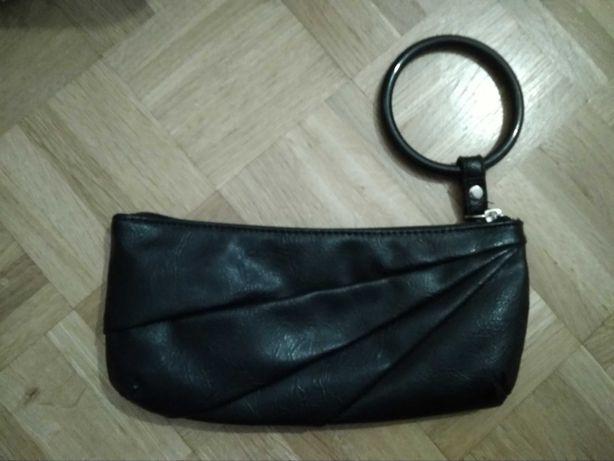Mała torebka czarna reserved