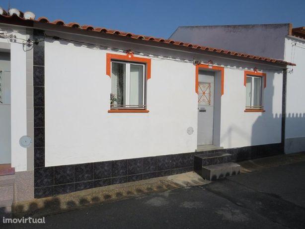 Moradia T3 em aldeia calma Jungeiros no concelho de Aljus...