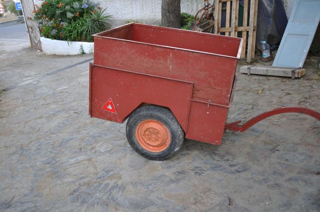 mini reboque para  trator 7 moto 4 ou automóvel