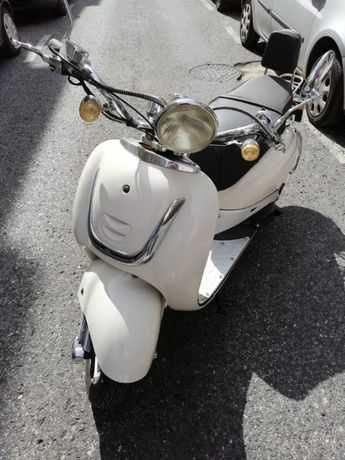 Moto Znen 125cc  Brano/Bege