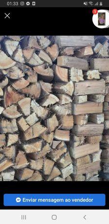 Vendo lenha seca pinho 30€ m³ faço entrega ao domicílio.