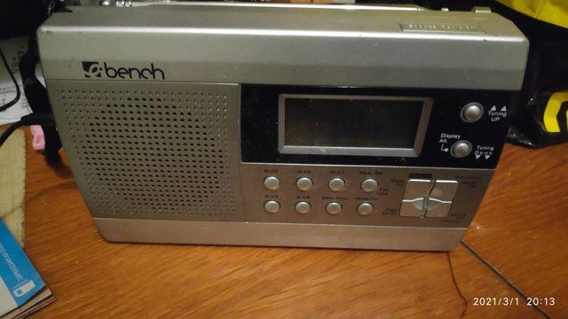Radio budzik Bench