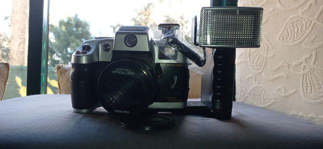 Máquina fotográfica analógica Olympia NK4040