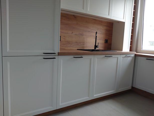 Meble kuchenne i szafy wnękowe na wymiar i inne meble .