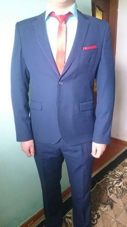 Продам костюм мужской (выпускной, свадебный) аренда