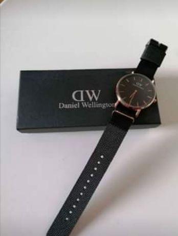Relógio tipo Daniel Wellington black novi