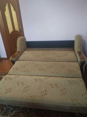 Диван, ліжко, спальне місце