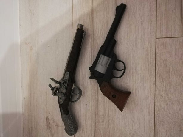 Rewolwery pistolety skaukowy metalowy na kapiszony+gratis karambitcsgo