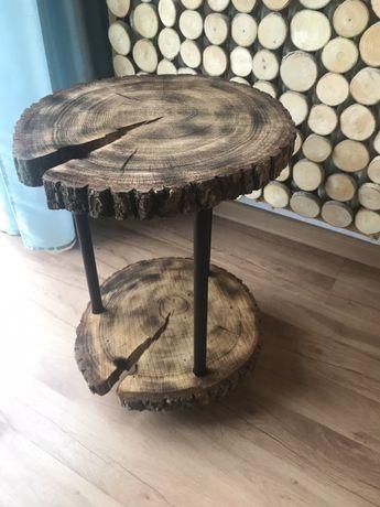Stolik z plastrów drewna przypalany, na kółeczkach obrotowych