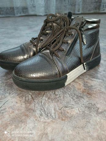 Осенние ботинки 34 размер