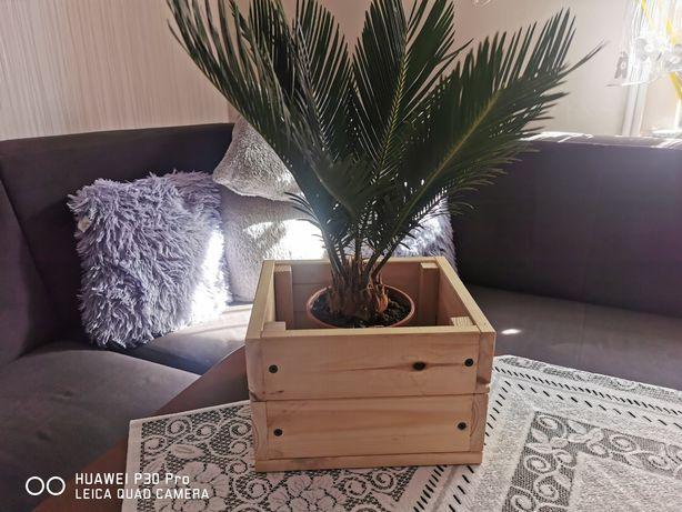Doniczki drewniane karmniki dla ptaków