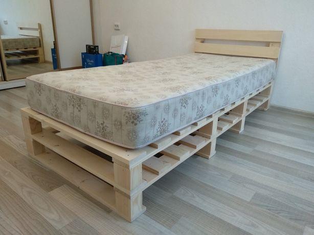 Кровать из поддонов,кровать из дерева,мебель в спальню,диван,кровать