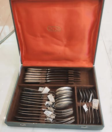 Столовый серебряный набор на 6 персон