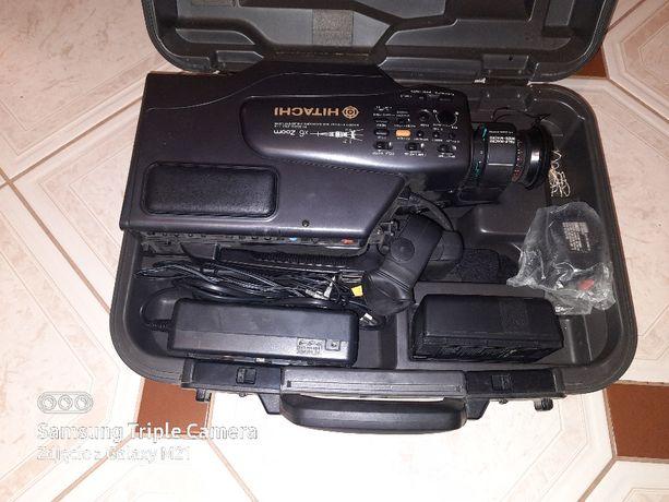 VHS VIDEO CAMERA / recorder model NO VM -2480E HITACHI