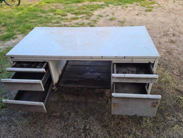 Solidny stół warsztatowy