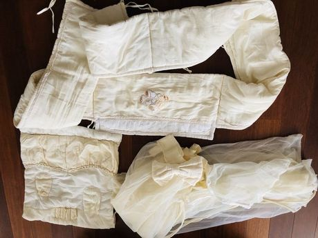 Защита бампер на кроватку, балдахин, карманы хранения piccolino