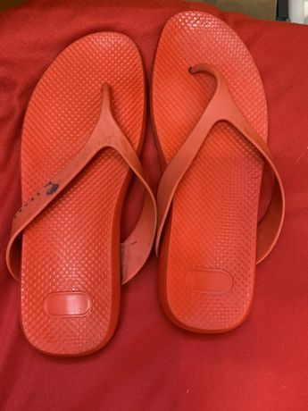 Saldos Versace chinelos praia laranja