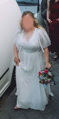 Vestido de Noiva usado, tamanho 14 (equivale a 42/44)