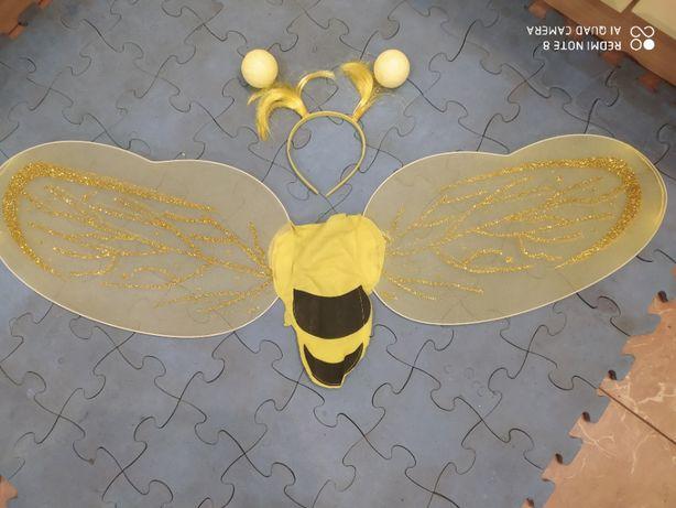 Крылышки пчёлки или пчЁла