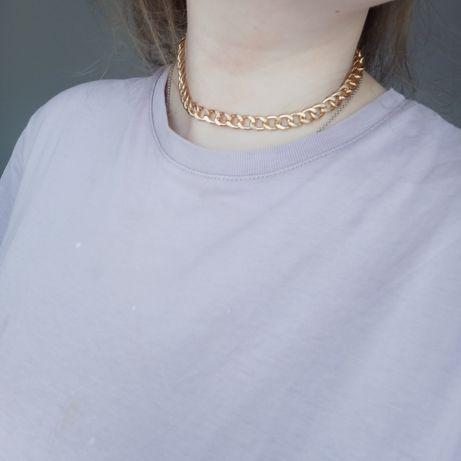 krótki złoty łańcuszek