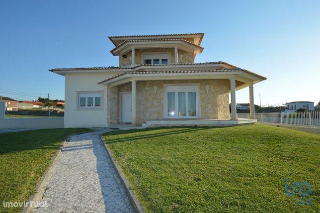 Moradia - 317 m² - T3