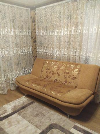 Продам комплект (диван и два кресла)