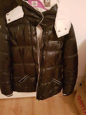 Czarna, biała kurtka zimowa M