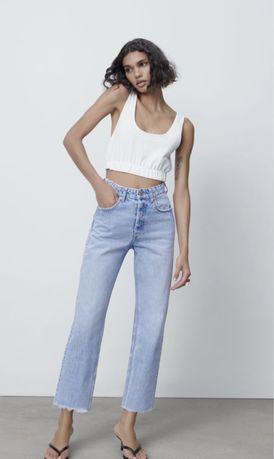 Голубые джинсы Zara