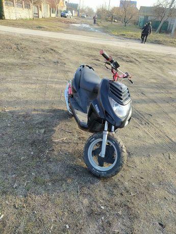 Продам скутер Yamaxa jog-50 3kj