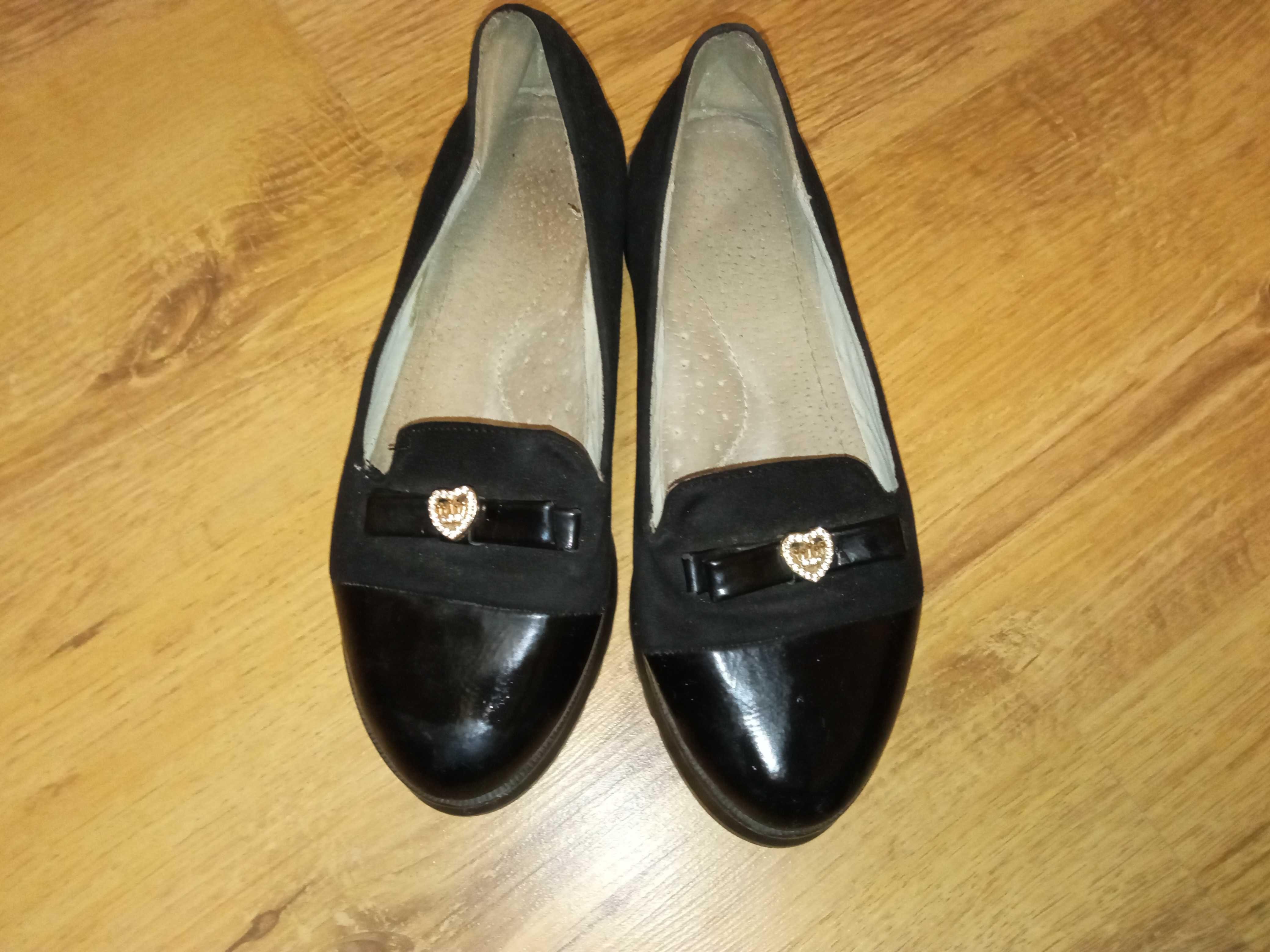 Продам туфлі на дівчинку 33р.
