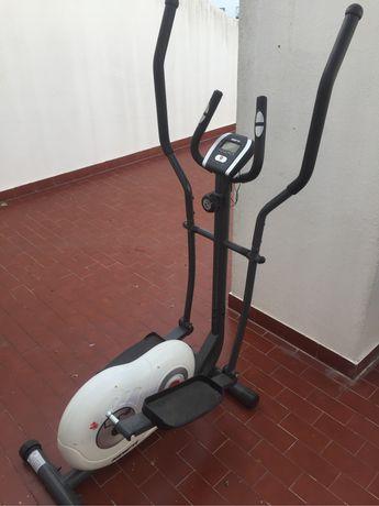 Bicicleta Eliptica (necessito urgentemente do espaço q está a ocupar)