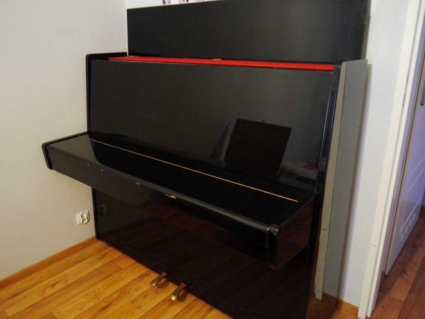 Pianino marki Białoruś (Belarus), czarne, w połysku, w pełni sprawne