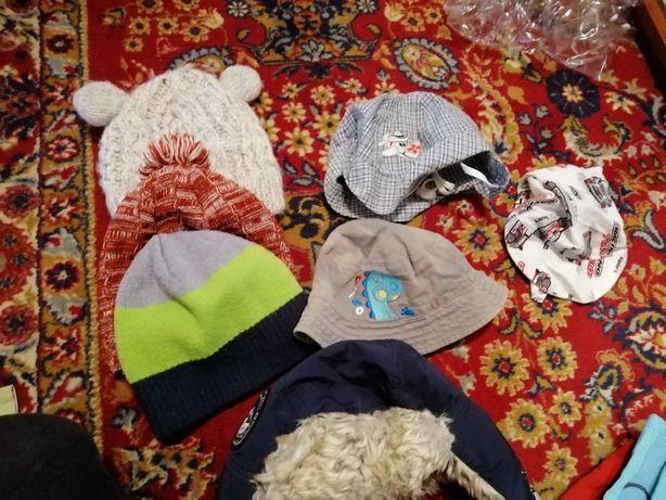 Czapeczki, kapelusze, chustki