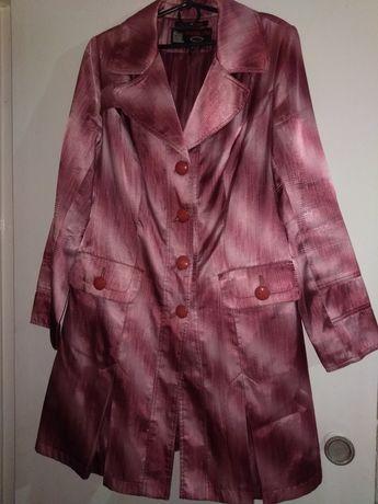 Плащ розовый